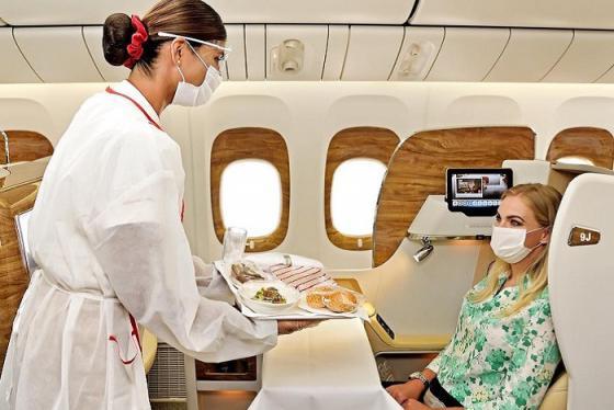 Tất tần tật kinh nghiệm đi máy bay Emirates tiêu chuẩn 5* bạn nên biết