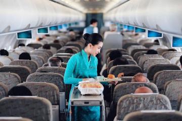 Vé máy bay hạng phổ thông là gì? Sự khác nhau của các hạng vé phổ thông giữa các hãng hàng không