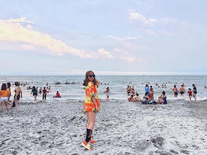 Kinh nghiệm đặt vé máy bay đi Thanh Hóa tắm biển Sầm Sơn