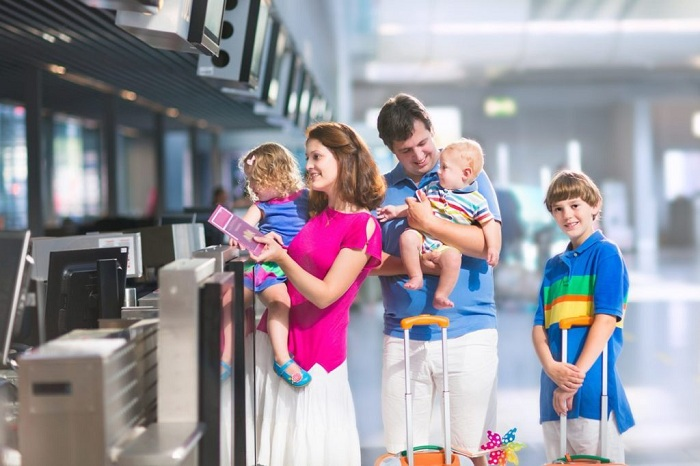 Những lưu ý khi cho trẻ nhỏ đi máy bay về giấy tờ