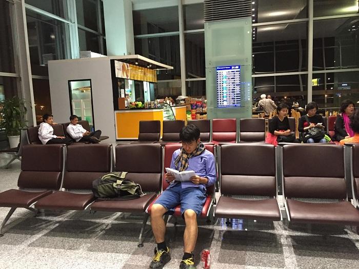Sai lầm thường gặp khi đi máy bay: lơ đễnh khi chờ máy bay