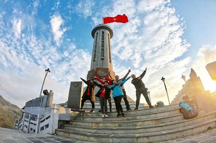 Hướng dẫn mua vé máy bay đi Hà Giang thăm cột cờ Lũng Cú