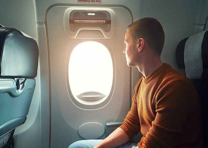 Sai lầm thường gặp khi đi máy bay: đi lại khi máy bay cất cánh, hạ cánh