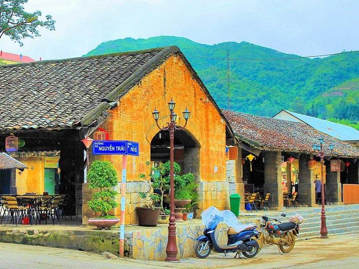 Hướng dẫn mua vé máy bay đi Hà Giang thăm phố cổ Đồng Văn